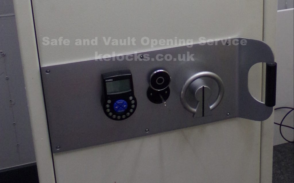 Robur high security safe stopped working, opened by Jason Jones of Key Elements