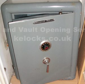 Chatwood Milner Major safe fitted with a Manifoil lock by Jason Jones of Key Elements