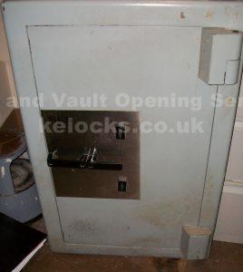 SLS safe picked open in London by Jason Jones, Key Elements