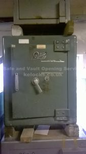 Old Ratner safe picked open in Essex by Json Jones, Key Elements
