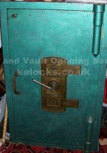 Chatwood safe opened by Jason Jones of Key Elements