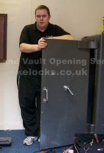 Chatwood Milner Totfield safe with lost keys cracked open by Jason Jones of Key Elements