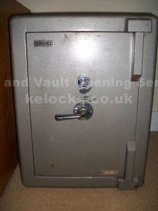 Chubb Stafford safe opened by Jason Jones of Key Elements