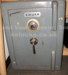 Chubb Warick safe with lost combination manipulated by Jason Jones of Key Elements